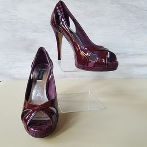 WhiteHouseBlackMarket patent heels